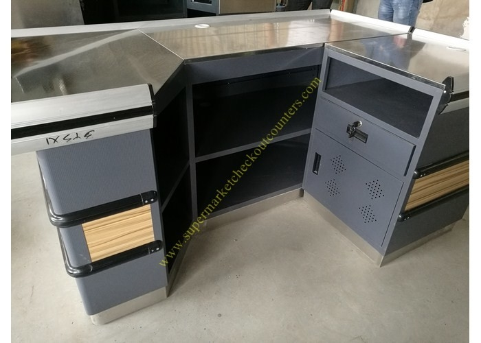 6 Feet Long Supermarket Checkout Counter , Wood And Steel Clothing Shop Cashier Counter Desk